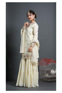 Dazzlerr - Yashvi Model Indore