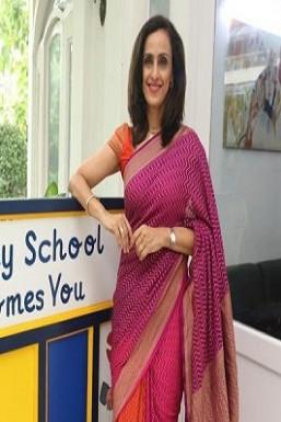 Shivani Wazir Pasrich Anchor Delhi