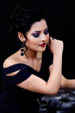 Dazzlerr - Tanya Tripathi Model Kanpur