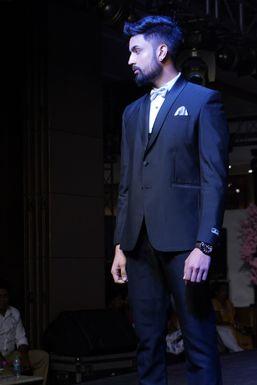 Dazzlerr - Aashish Beniwal Model Delhi