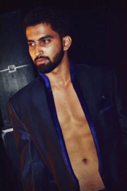 AKSHAY CHAMBYAL - Model in Mumbai | www.dazzlerr.com