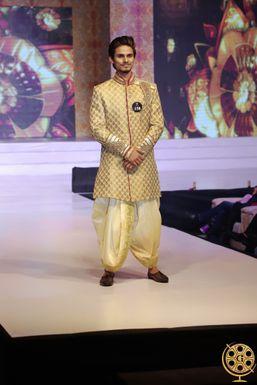 Dazzlerr - Kunwar Abhinav Model Delhi