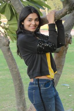 Jyoti Kumari Shalu - Model in Delhi   www.dazzlerr.com