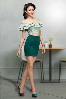 Parul Bisht - Model in Delhi   www.dazzlerr.com