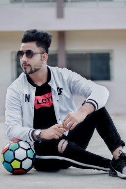 Dazzlerr - Aahil Khan Model Ambaji