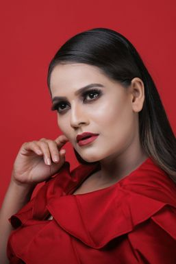 Dazzlerr - Komal Gurjar Model Ahmedabad
