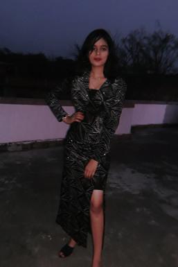 Sakshi Singh - Model in  | www.dazzlerr.com