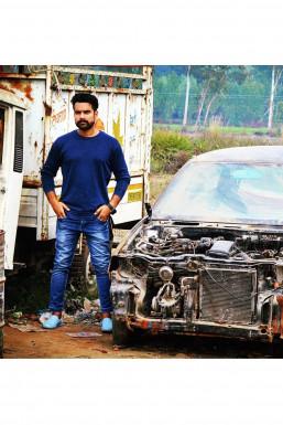 Haroon Saifi - Model in New Delhi | www.dazzlerr.com
