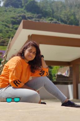 Ishwarya - Model in Bangalore   www.dazzlerr.com