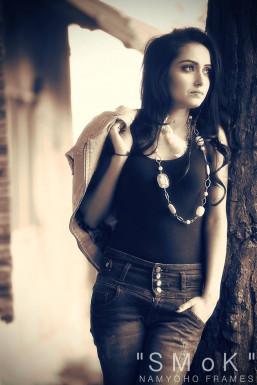 Dazzlerr - Komal Choudhary Model Delhi