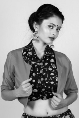 Mahima Gandhi - Actor in Vadodara | www.dazzlerr.com