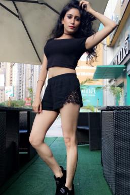 Natasha Nagpal - Model in Delhi   www.dazzlerr.com