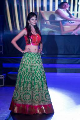 Usha Sharma - Model in Mumbai   www.dazzlerr.com