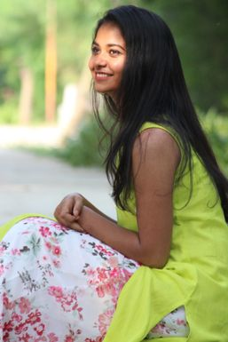 Sakshi Singh - Model in Vadodara | www.dazzlerr.com