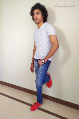 Vikas Kandola - Actor in Kanjhawala   www.dazzlerr.com