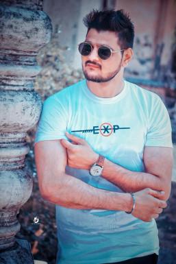 Ravi Pathak Model Surat