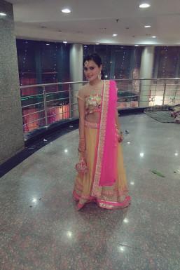 Dazzlerr - Pooja Model Delhi