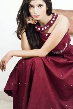 Kirti - Model in Delhi | www.dazzlerr.com