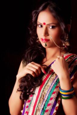 Dazzlerr - Aarzu Model Delhi