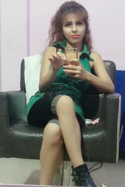 Dazzlerr - Tanya Yadav Model Delhi