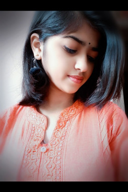 Dazzlerr - Tanushika Sharma Model Bhind