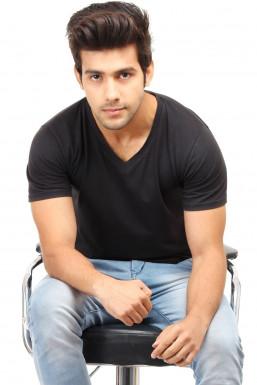 Vivek Singh - Model in Delhi | www.dazzlerr.com
