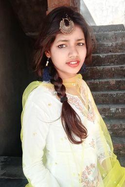 Sakshi Mishra - Actor in Deoria | www.dazzlerr.com