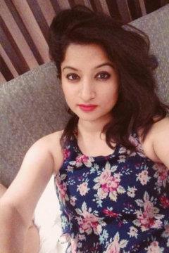 Aashna Singh Anchor Delhi