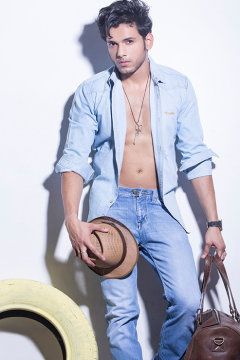Anmol Dahiya - Model in Delhi | www.dazzlerr.com