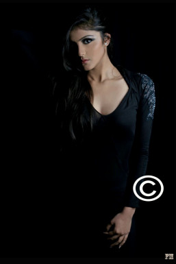 Dazzlerr - Megha Verma Model Delhi