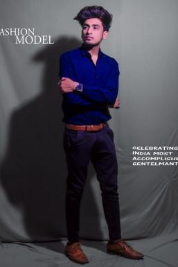 Yogesh - Model in  | www.dazzlerr.com