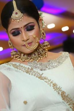 Dazzlerr - Aishwarya Shree Model Gurgaon