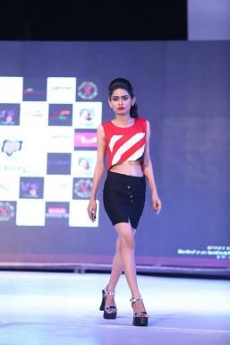 Dazzlerr - Manu Yadav Model Delhi