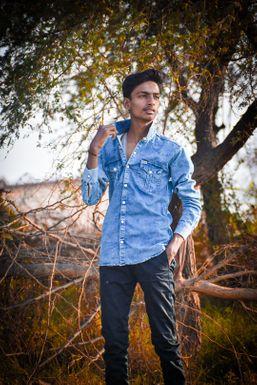 Aryan Kushwaha - Actor in Allahabad   www.dazzlerr.com