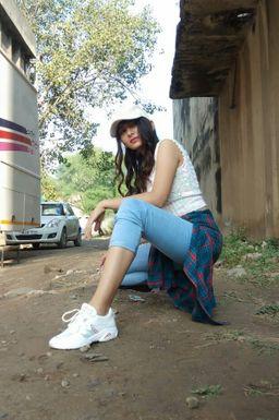 Dazzlerr - Avneet Brar Model Chandigarh