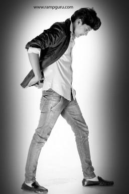 Dazzlerr - Vipin Yadav Model Delhi