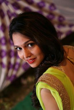 Dazzlerr - Gunjan Mishra Model Delhi