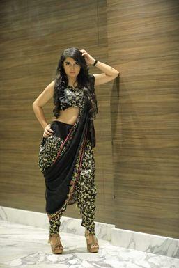 Dazzlerr - Harshita Bhagchandani Model Ajmer