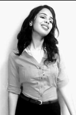 Dazzlerr - Diksha Sharma Model Mandi