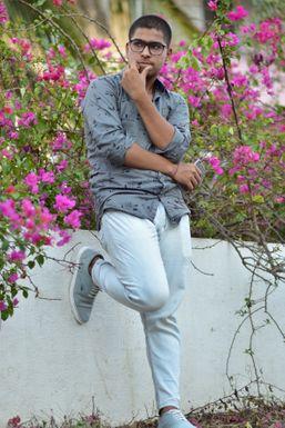 Yash Bhavsar - Actor in Pune | www.dazzlerr.com