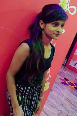 Dazzlerr - Priya Shaw Model Kolkata