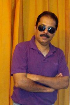 Sanjay Sethi - Anchor in Delhi | www.dazzlerr.com