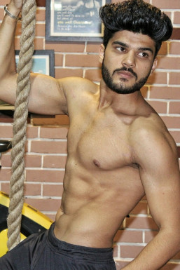 Abhishek Soni - Model in Delhi | www.dazzlerr.com