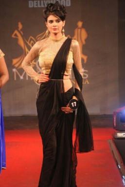 Dazzlerr - Pooja Chaudhary Model Delhi
