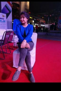 Dazzlerr - Tejaswini Singh Model Delhi