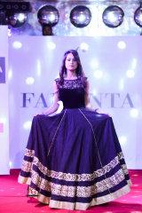 Dazzlerr - Aishwarya Sinha Model Delhi
