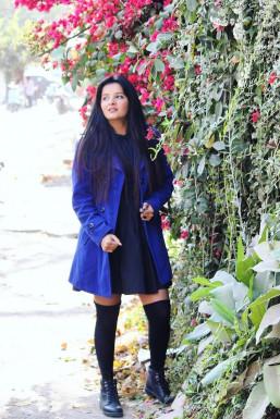 Dazzlerr - Karishma Sharma Model Delhi