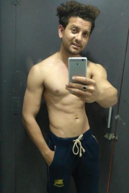 Dazzlerr - Sumit Kumar Gandhi Model Delhi