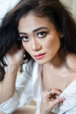 Dazzlerr - Nidhi Naidu Model Delhi