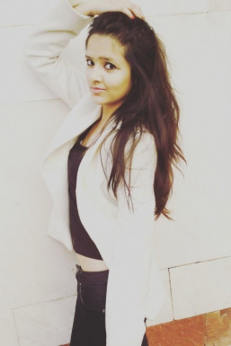 Dazzlerr - Shrija Swapnil Model Delhi